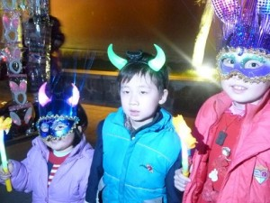 Weihnachten in China wie Karneval
